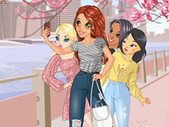 Play Game Lets Take a Selfie Together