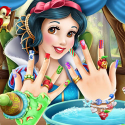 Play Game Snow White Nails
